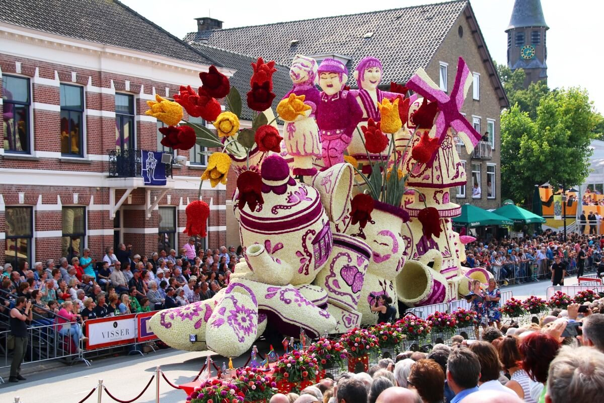 The Zundert Flower Parade Is A Unique Dahlia Day Delight
