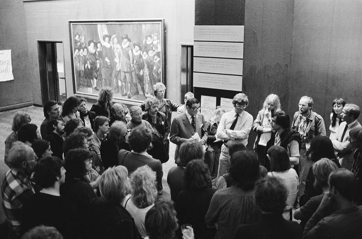Photo-of-artists-netherlands-occupying-museums