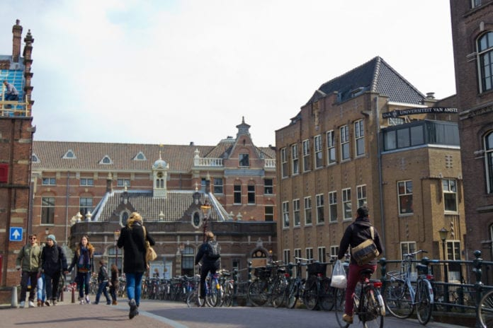 study financing, student loans, study in the Netherlands, expat, study, student life, student