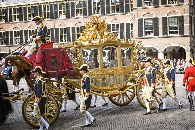a-picture-of-Prinsjesdag-event-gold-carriage