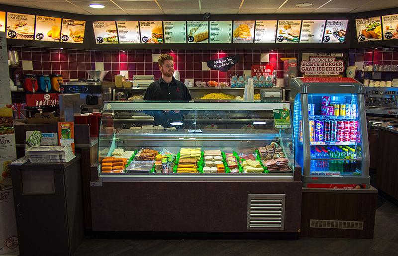 A-Dutch-man-working-in-a-snackbar