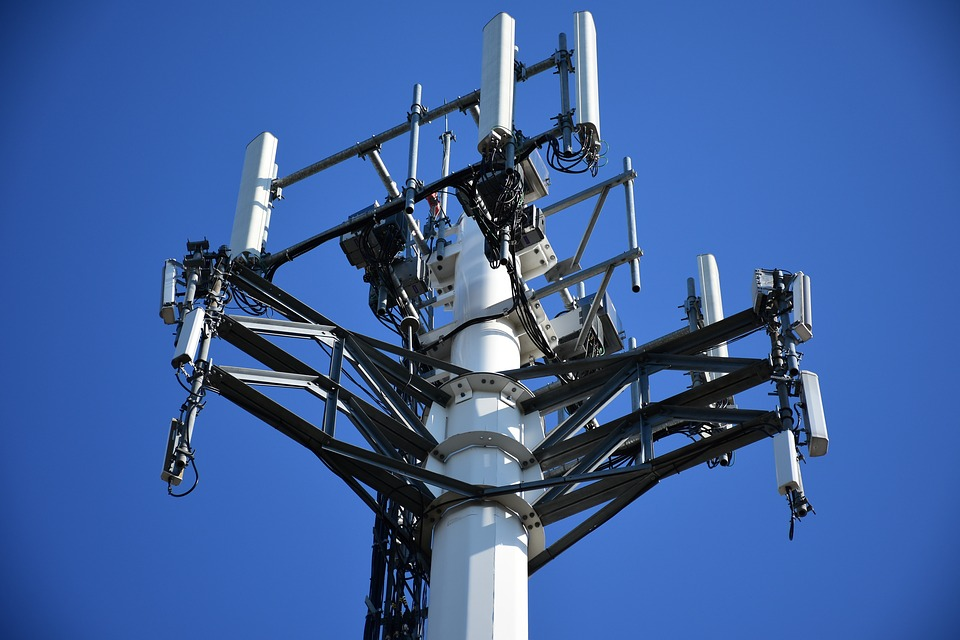 Tens of Thousands of 5G Masts to be Installed in Public Spaces – DutchReview