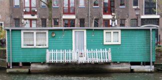 house-boat-netherlands