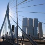 800px-Erasmusbrug_&_De_Rotterdam