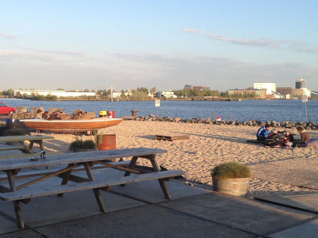 urban beaches - Pllek