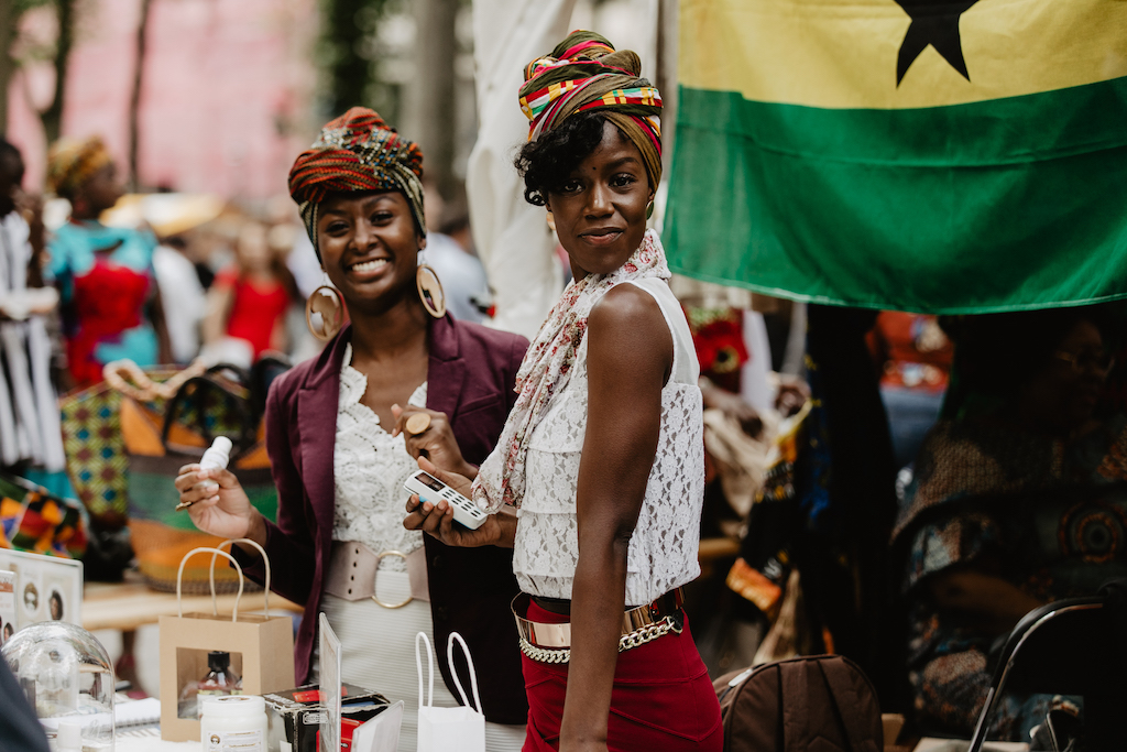 photo-of-two-girls-standing-at-embassyfestival-the-hague
