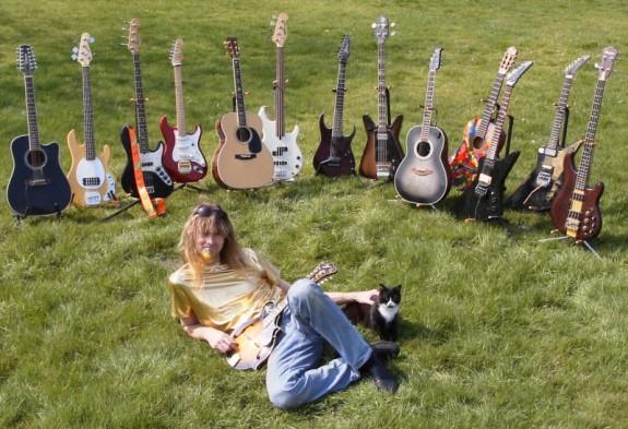 Arjen_Guitars-575x393