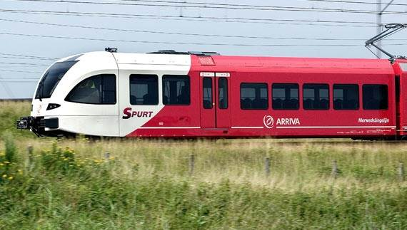 Arriva-spurt-night-train-travellig-from-Maastricht-to-schiphol