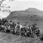 Boers_at_Spion_Kop,_1900_-_Project_Gutenberg_eText_16462