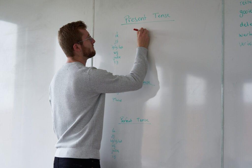 photo-of-Casper-from-Dutch-Ready-teaching-online-Dutch-lessons