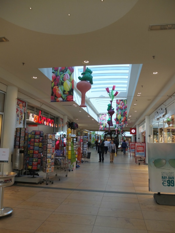 And that is the Schiedam passage from the inside. Here you can find shops selling anything, from postcards to clothes, food and electronic devices.