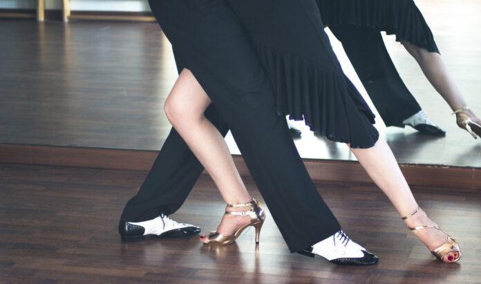 photo-salsa-dancers