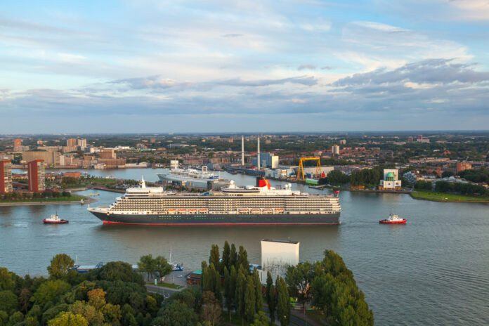 Cruise-ship-arriving-in-Rotterdam-Port