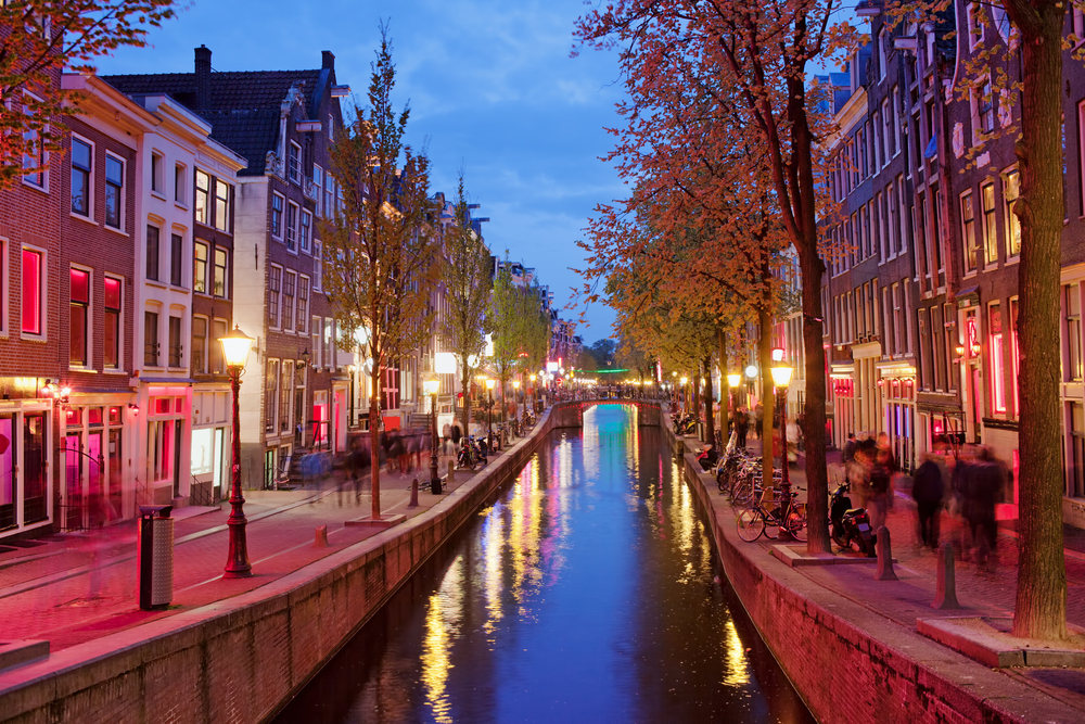 Red-light-district-in-Amsterdam-at-twillight