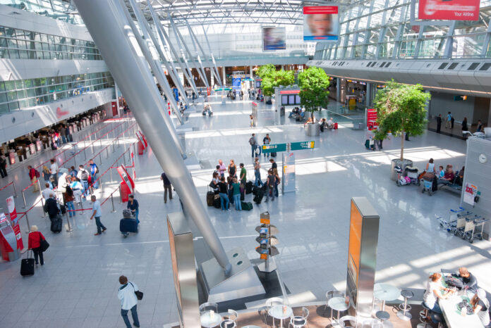 Travelers-in-an-international-airport-returning-to-the-Netherlands