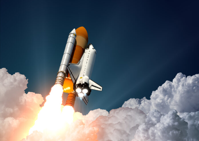 Rocket-launching-into-space-wtih-Jeff-Bezos-and-18-year-old-Dutchman-on-board