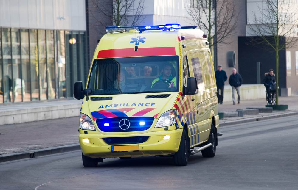 ambulance-in-the-Netherlands-carrying-coronavirus-patient-2021