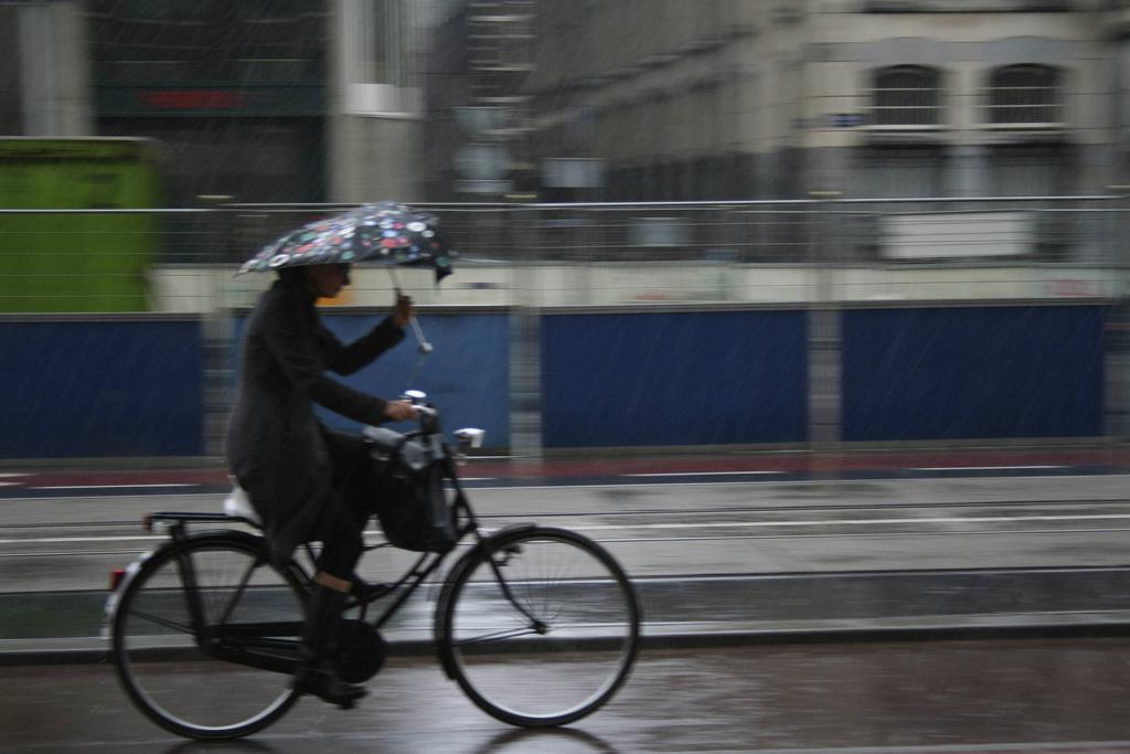 Dutch cycling in the rain