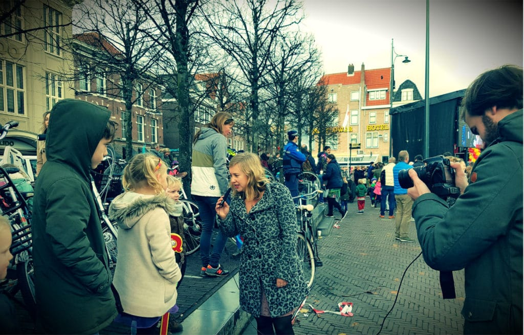 DutchReview Film crew at work