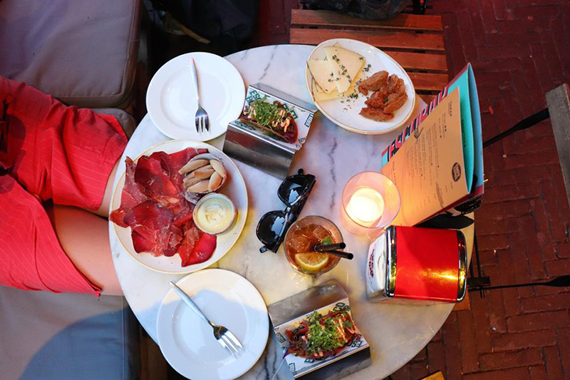 Table-of-food-at-Escobar-restaurant-in-Amsterdam