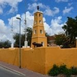 Dutch_fort_at_Kralendijk_(Bonaire_2014)_(15507646070)