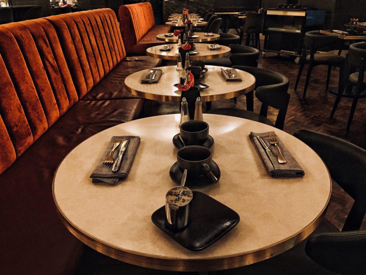 Dressing À L Américaine café américain: fine dining in a brilliant art-deco decor