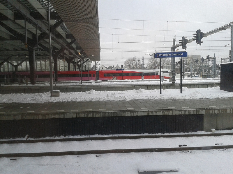 A Fyra train going unused near Rotterdam central station this past winter, due to the trains' inability to function in wintry conditions.