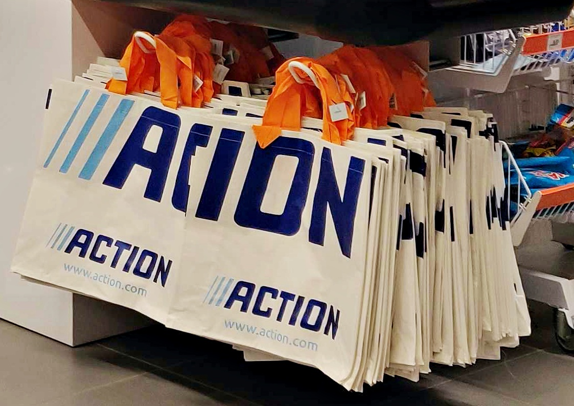 action-store-bags