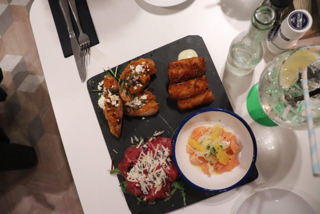 photo-of-food-on-platter-in-Leiden