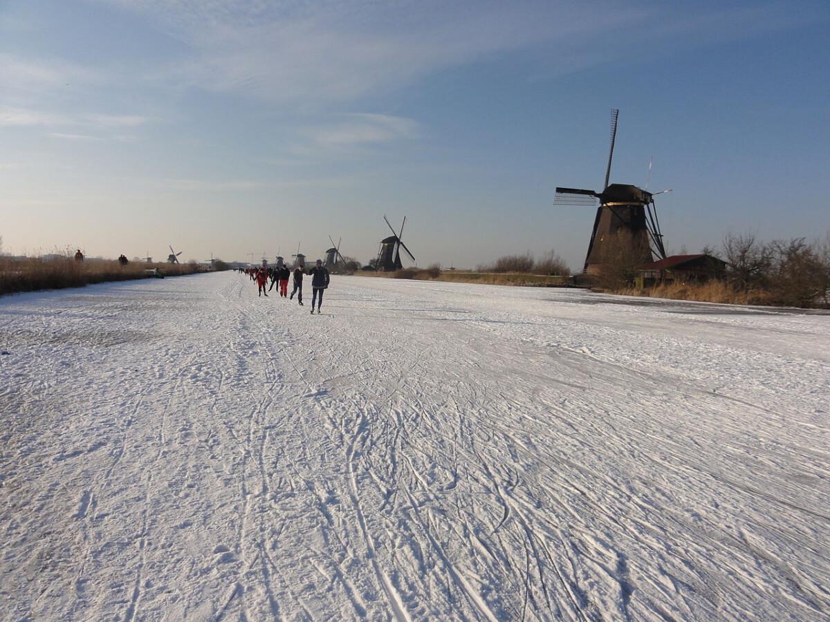 Photo-of-people-ice-skating-netherlands