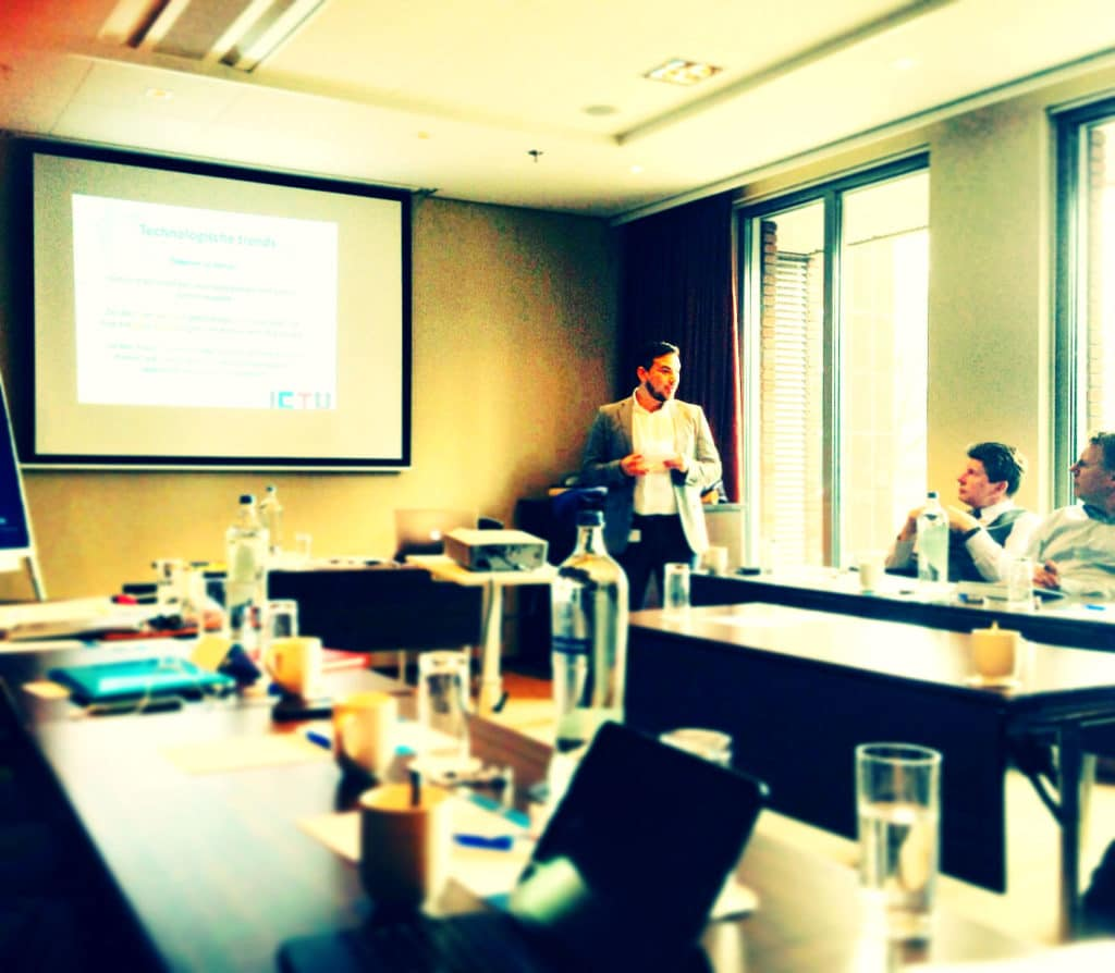 DutchReview founder Abuzer at a presentation (Visit his website for more info)