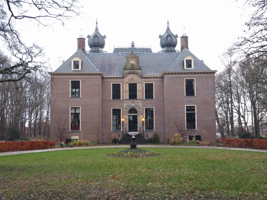 exterior-of-castle-oud-poelgeest