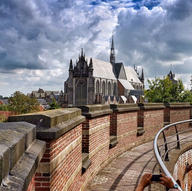 The magical view at the Hooglandse Kerk from the Burcht (source: Instagram/@Mverkadefotografie)
