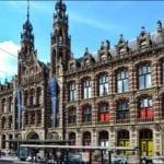 Magna_Plaza,_Amsterdam_-_panoramio