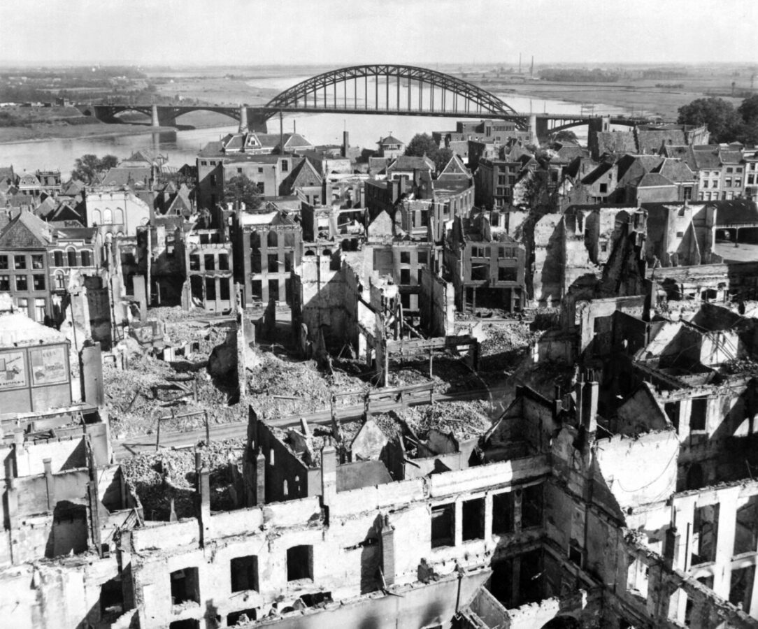 photo-of-rotterdams-city-centre-after-the-bombing-of-1940
