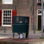 Urinal_Amsterdam_Wikimedia