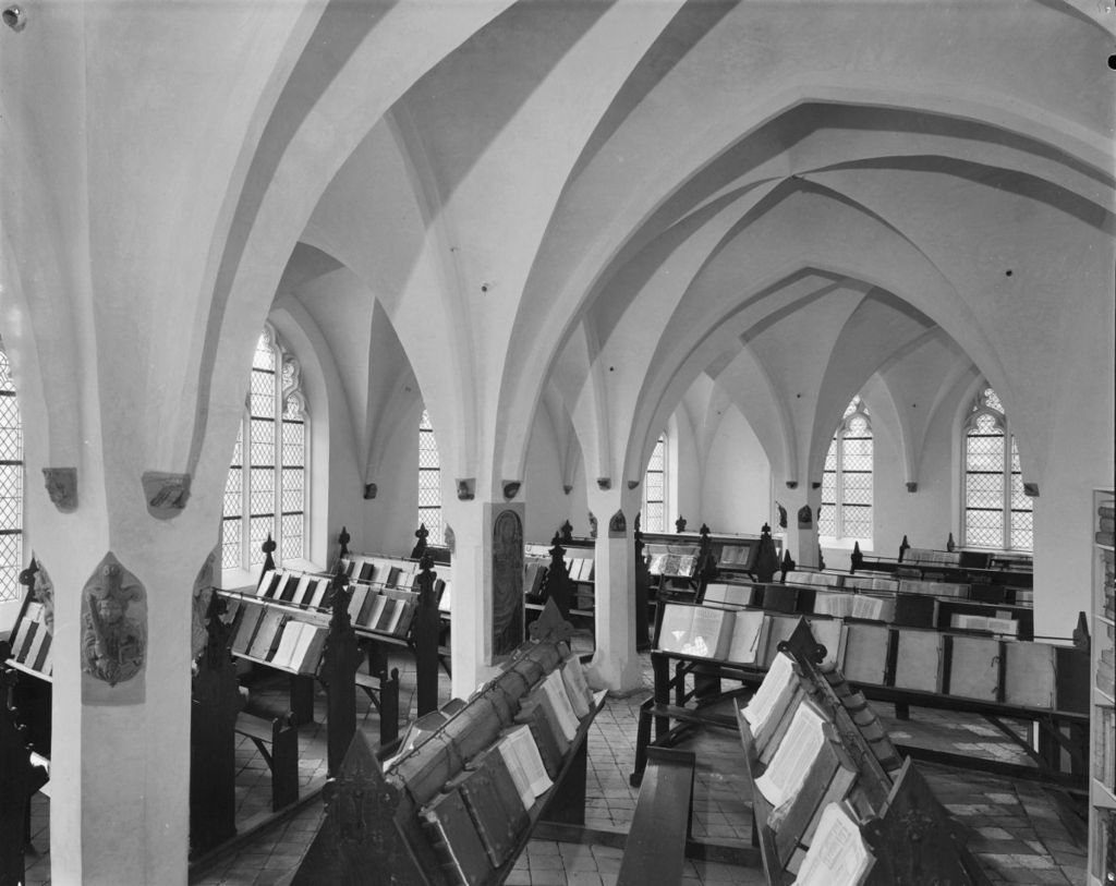A-black-and-white-photo-of-the-old-public-library-in-Dutch-city-Zutphen