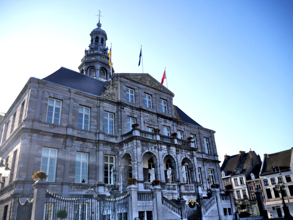 town-hall-in-maastricht-in-the-morning