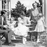Princess_Juliana_and_family_1943