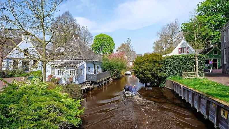 Villages in the Netherlands, Visiting Broek in Waterland