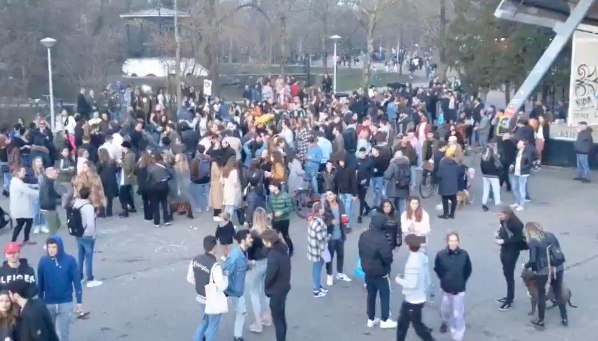 photo-of-a-large-gathering-in-vondelpark-during-coronavirus