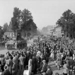 Sherman_tanks_advancing_through_Valkenswaard