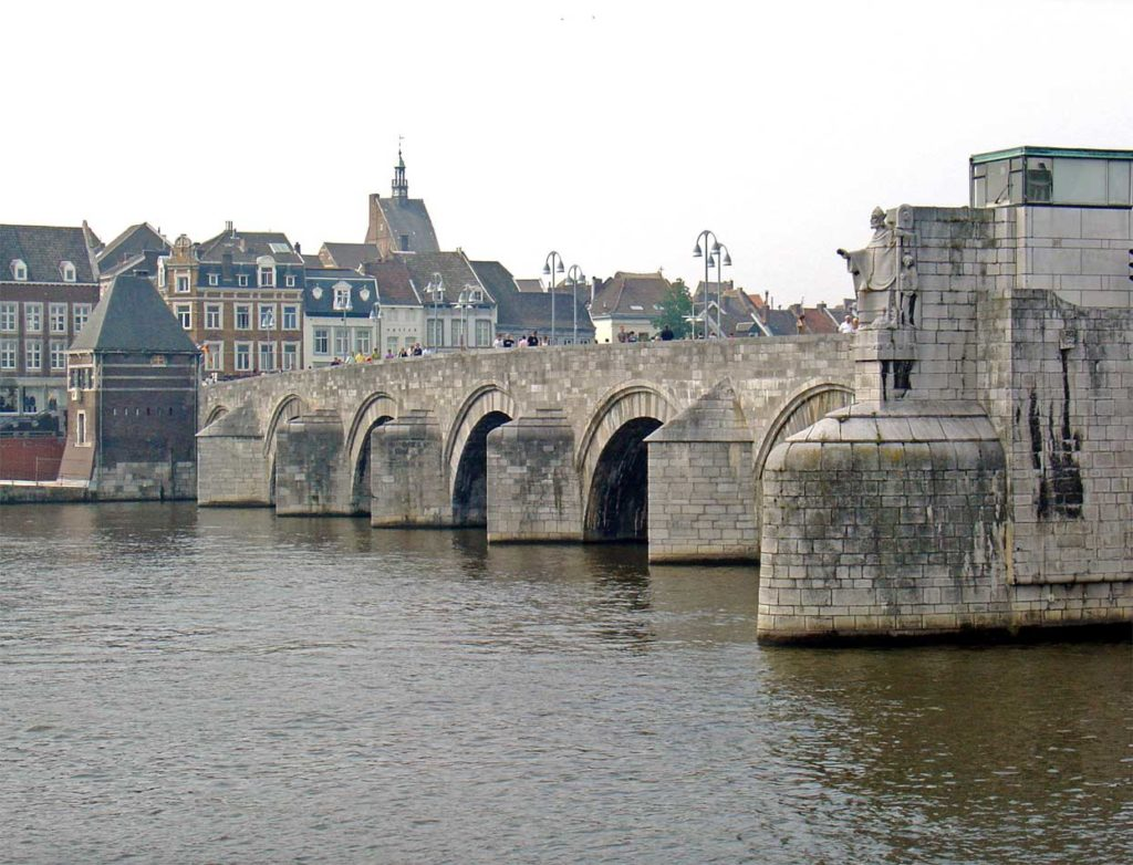 The Sint Servaasbridge