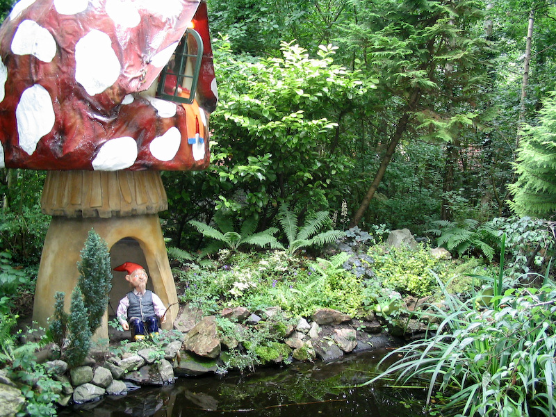 A-gnome-house-in-the-woods-at-Spookjeswonderland-theme-park-in-the-Netherlands