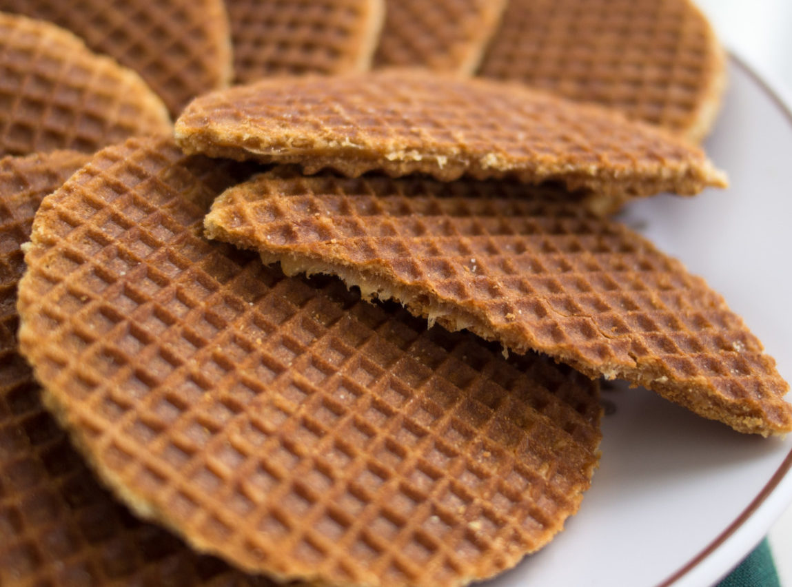 Your Guide To Stroopwafels The Cinderella Story Of The Syrup Waffle Dutchreview