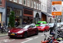 self-driving, Parking in Amsterdam, Overcrowding in major cities