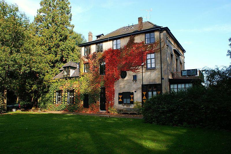 Villa-Eikenhorst-in-Wassenaar-on-a-hiking-route-neat-The-Hague