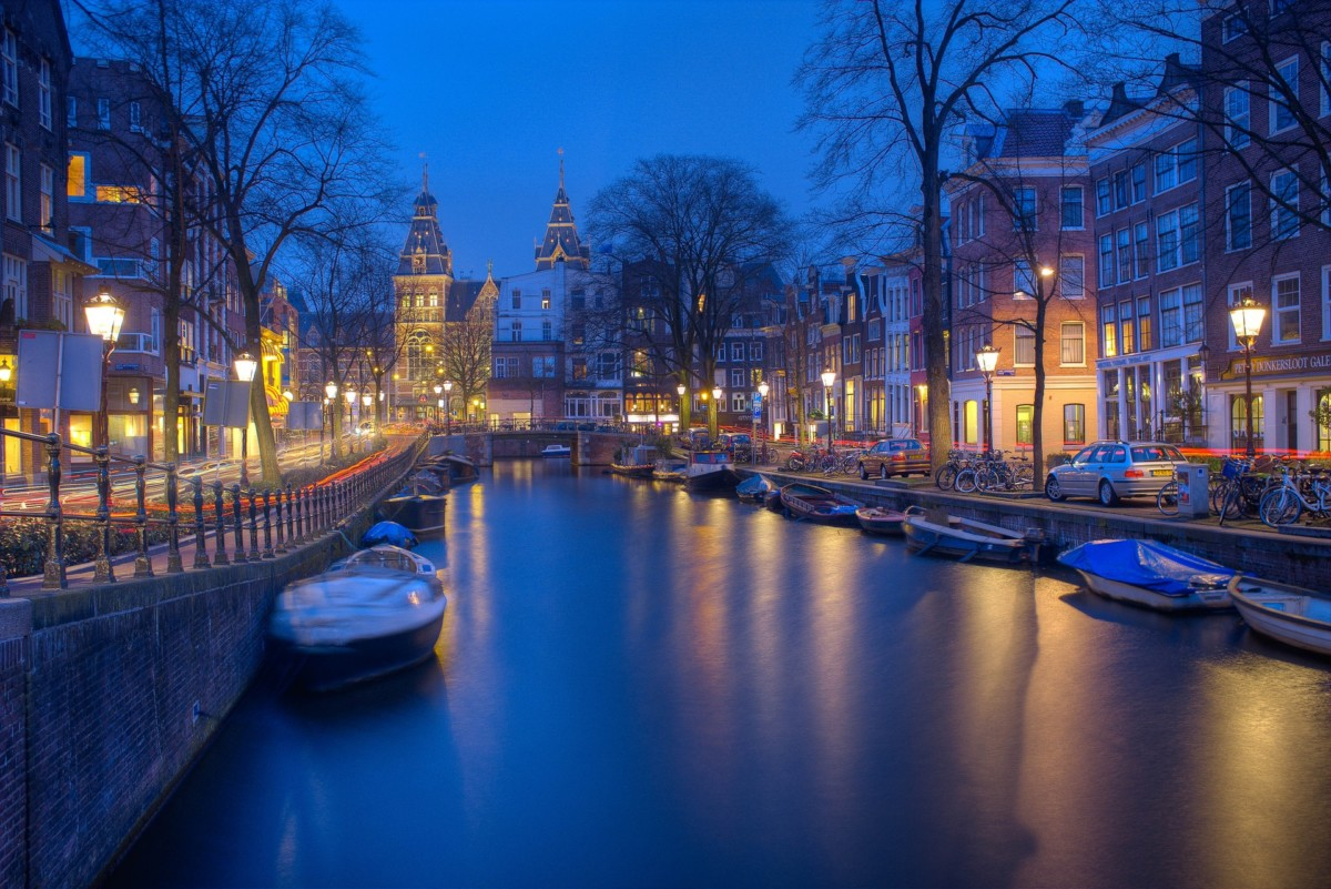 7 tips for moving from London to Amsterdam – DutchReview