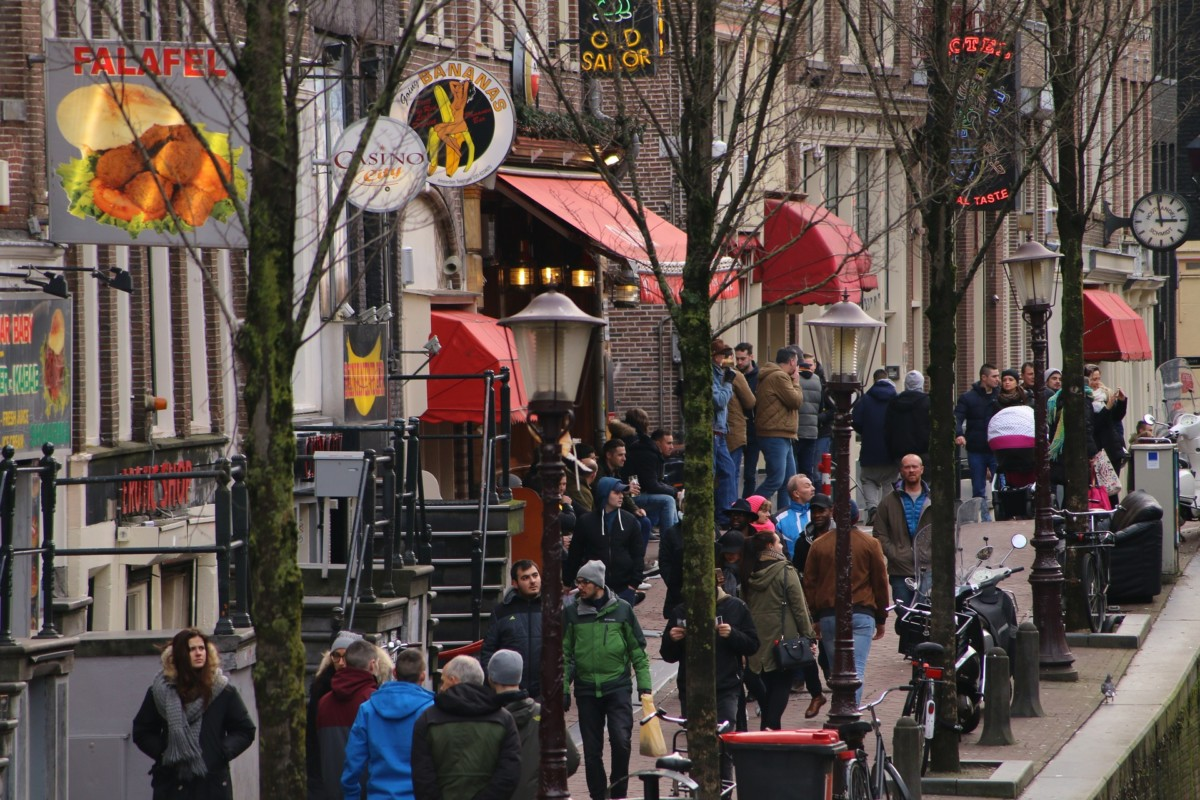 red light district in amsterdam in the day