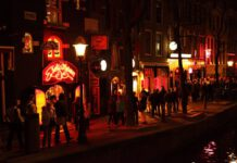 Photo-of-red-light-district-Amsterdam
